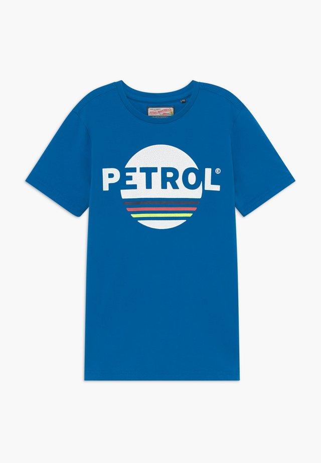 T-shirt med print - electric blue