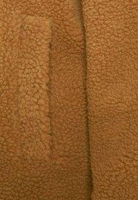 American Eagle - LONG SHIRT TAIL SHERPA JACKET - Winter jacket - brown - 2