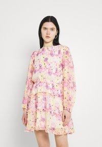 Gina Tricot - SONJA DRESS - Korte jurk - pink - 0