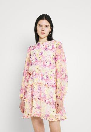 SONJA DRESS - Vapaa-ajan mekko - pink