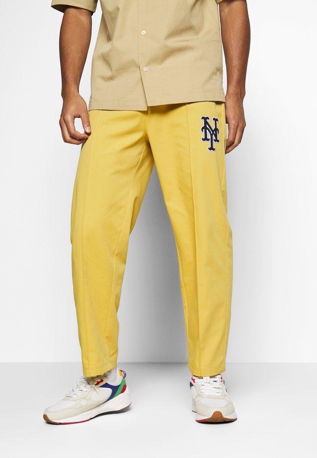 MLB NEW YORK YANKEES STRAIGHT PANTS - Club wear - beige