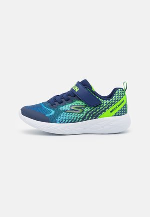GO RUN 600 BAXTUX UNISEX - Neutral running shoes - navy/lime
