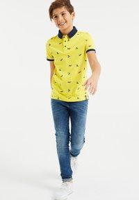 WE Fashion - Polo shirt - bright yellow - 0