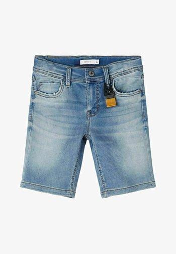 SLIM FIT - Denim shorts - medium blue denim