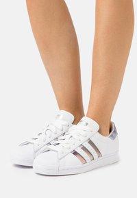 adidas Originals - SUPERSTAR  - Tenisky - footwear white/grey three - 0
