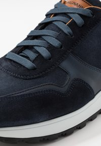 Magnanni - Trainers - azul - 5