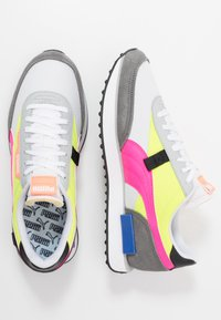 Puma - FUTURE RIDER PLAY ON UNISEX - Trainers - white/castlerock/yellow alert - 1