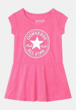 PRINTED COVER SET - Vestito di maglina - pink glow