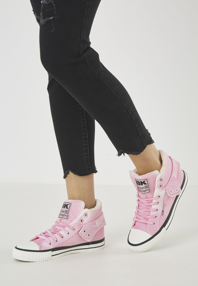 ROCO - Sneakers alte - pink