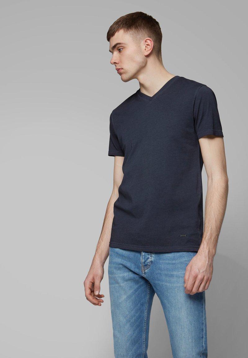BOSS - TYXX - T-Shirt basic - dark blue