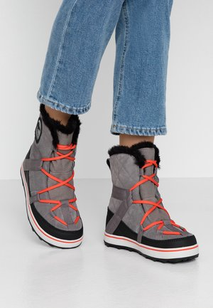GLACY EXPLORER SHORTIE - Winter boots - quarry