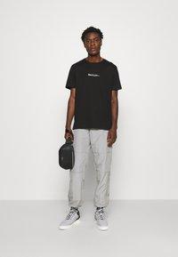 N°21 - Print T-shirt - black - 5
