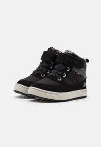 Viking - LUKAS WP UNISEX - Zimní obuv - black/grey - 1
