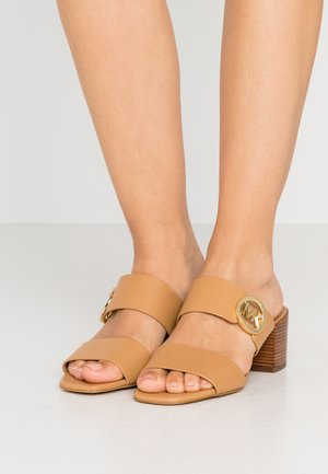 SUMMER MID - Sandaler - peanut
