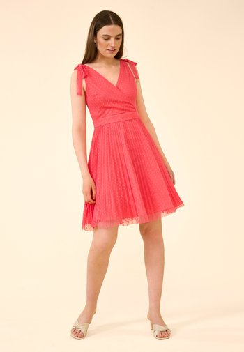 Day dress - calypso rot