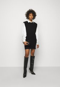 DESIGNERS REMIX - MANDY MUSCLE DRESS - Sukienka etui - black - 1