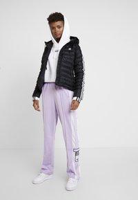 adidas Originals - CROP HOOD - Bluza z kapturem - white - 1