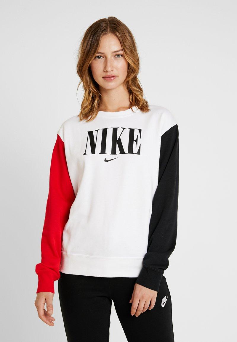 Nike Sportswear - CREW FT HBR - Sweatshirt - white/university red/black