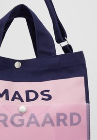 Mads Nørgaard - TÖTE BAG - Tote bag - dark navy/soft rose - 6