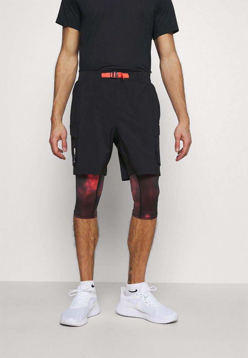 Under Armour - RUN ANYWHERE 2 IN 1 SHORT - Leggings - black