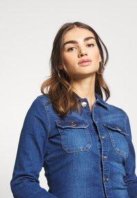 ONLY - ONLCALLI - Jumpsuit - medium blue denim - 4