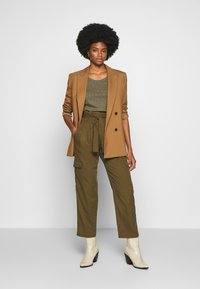 Marc O'Polo DENIM - Long sleeved top - bleached olive - 1