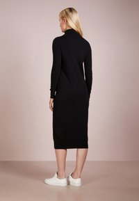 pure cashmere - TURTLENECK DRESS - Maxi šaty - black - 2