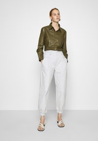 DAY Birger et Mikkelsen - AFTERNOON - Button-down blouse - forest - 1