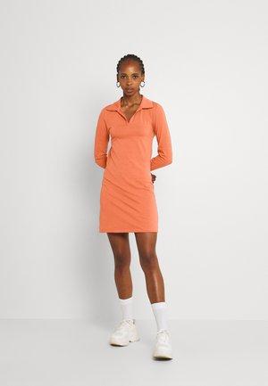 OPEN COLLAR OPEN BACK LONG SLEEVE TIE BACK MINI DRESS - Jersey dress - rust