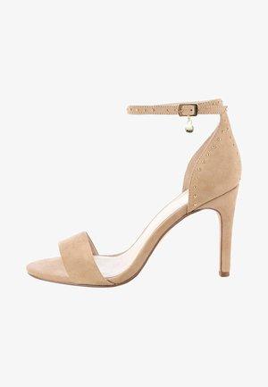 PAGANA - Sandały na obcasie - beige