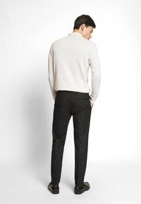 Jack & Jones PREMIUM - JPRRECYCLE TROUSER - Pantaloni eleganti - black - 2