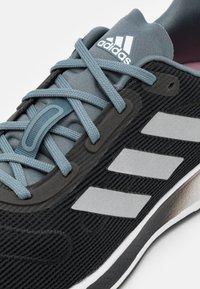 adidas Performance - GALAXAR RUN - Zapatillas de running neutras - core black/silver metallic/fresh candy - 5