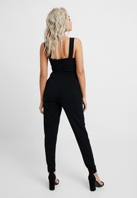 WAL G PETITE - EXCLUSIVE BUCKE V NECK - Jumpsuit - black - 3