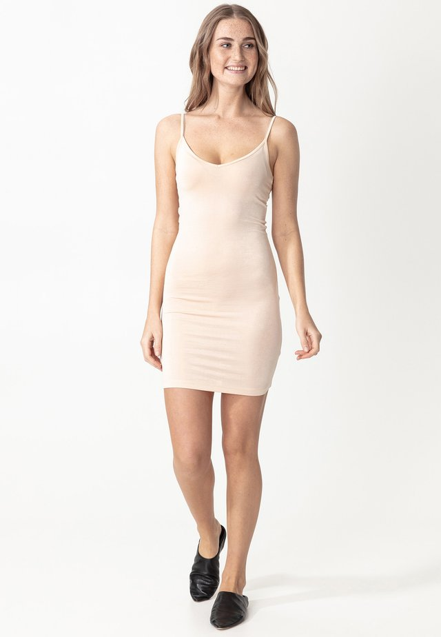 SINA - Shift dress - nude
