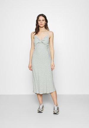 WIDE STRAP SLIP MIDI DRESS - Day dress - green