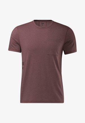 LES MILLS - Camiseta básica - red