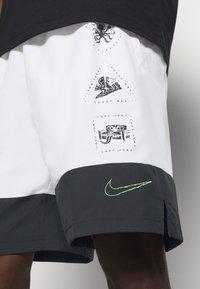 Nike Performance - SHORT - Korte broeken - white - 4