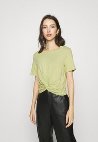 Monki - WILMA 2 PACK - Basic T-shirt - green/white - 3