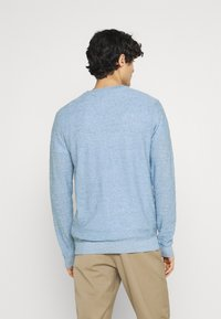 Selected Homme - SLHBUDDY CREW NECK - Jumper - skyway - 2