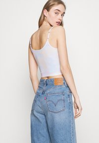 Hollister Co. - BARE GRAPHIC BABY - Top - wash - 3