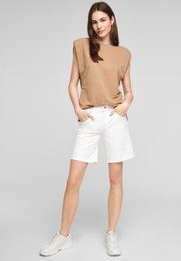 s.Oliver - Denim shorts - white - 1