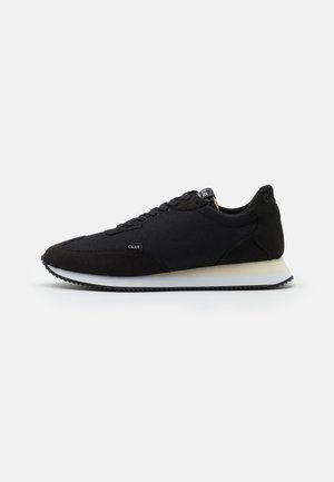 RUNYON UNISEX - Matalavartiset tennarit - black