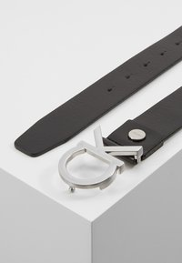 Calvin Klein - BUCKLE BELT - Skärp - black - 2