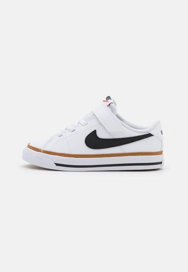 COURT LEGACY  - Sneakers laag - white/black/desert ochre/light brown