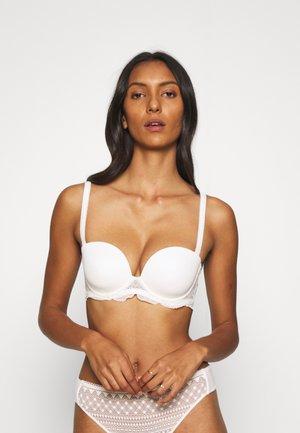 KARMA - Olkaimettomat/muut rintaliivit - naturel