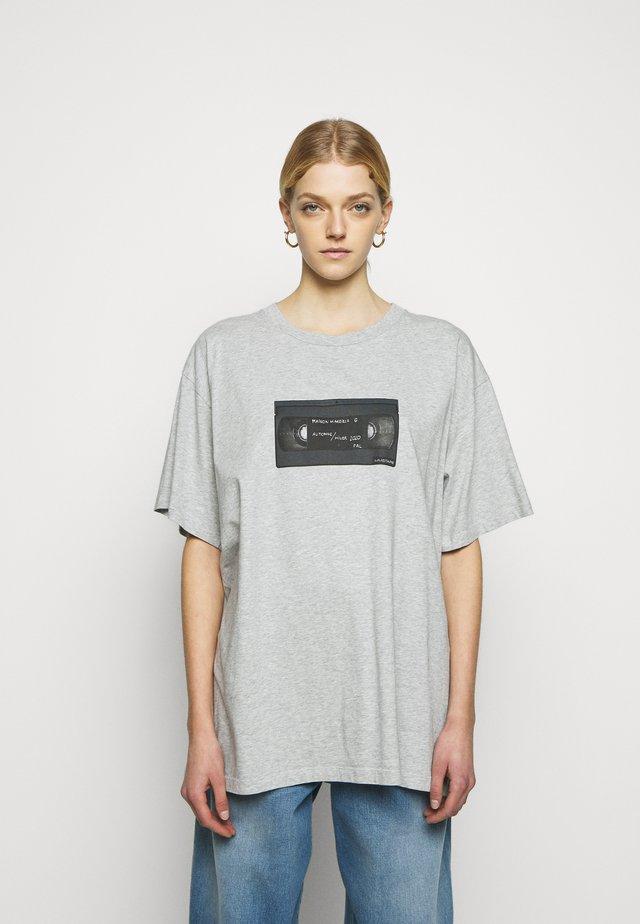 T-Shirt print - melange grey