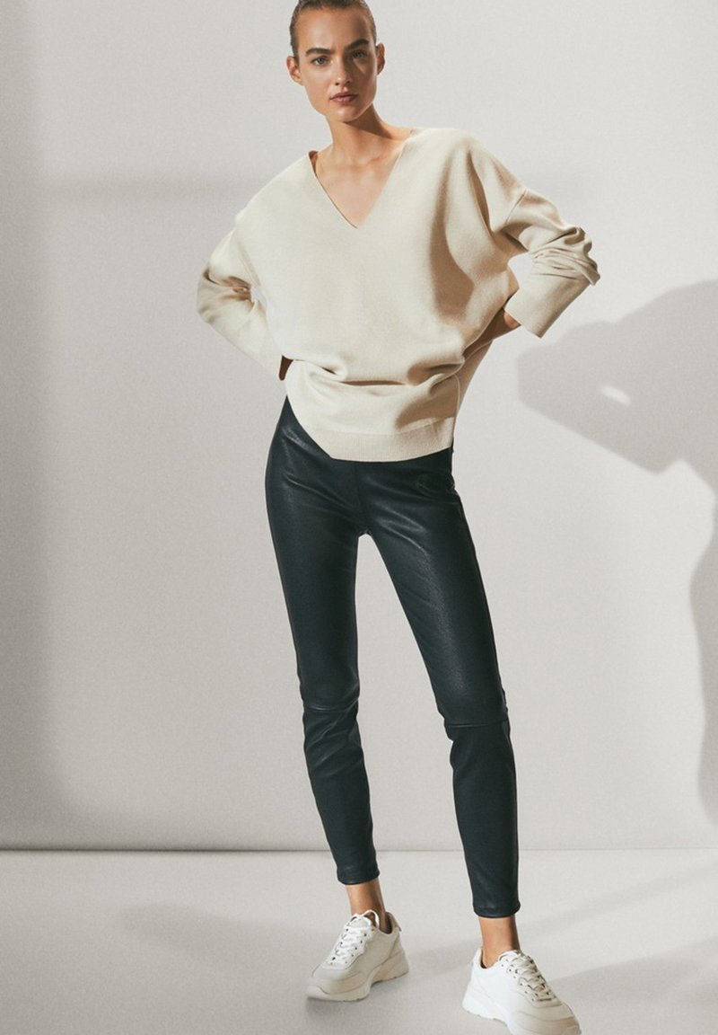 Massimo Dutti - BLACK LEATHER - Leggings - Trousers - black