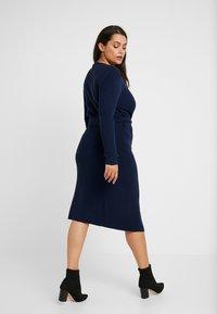 Lost Ink Plus - LONGERLINE BALLET WRAP DRESS - Abito in maglia - dark blue - 2