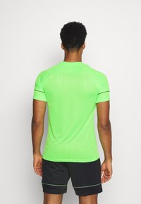 Nike Performance - ACADEMY 21 - T-shirt print - green strike/black - 2