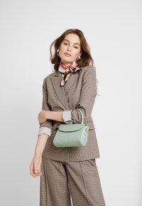 Gina Tricot - MAYA MINI BAG - Handtasche - sage - 1